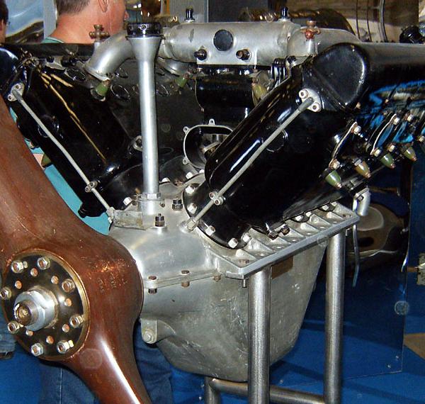 Поршневой авиационный двигатель м-4 (hispano-suiza 8в).