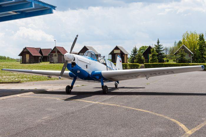 Простая учебно-тренировочная модель самолета под двигатель марз-2,5