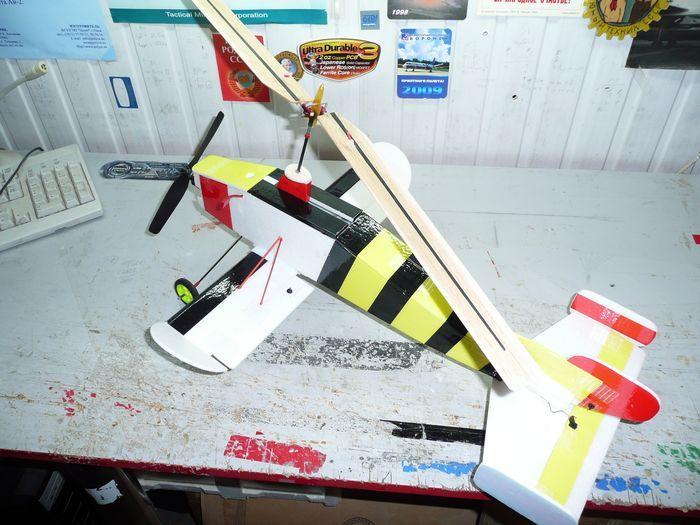 Резиномоторная модель самолета «стрекоза»