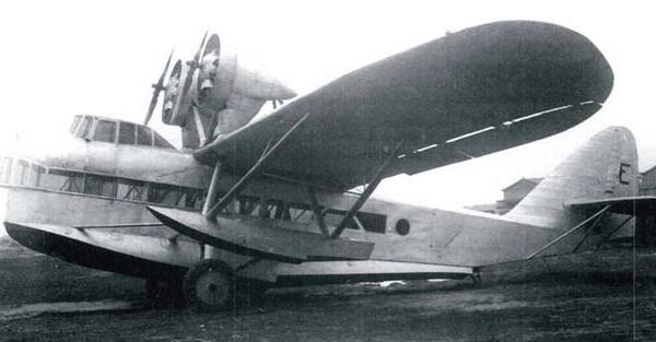 Самолет-амфибия для аэрофотосъемок ш-5.