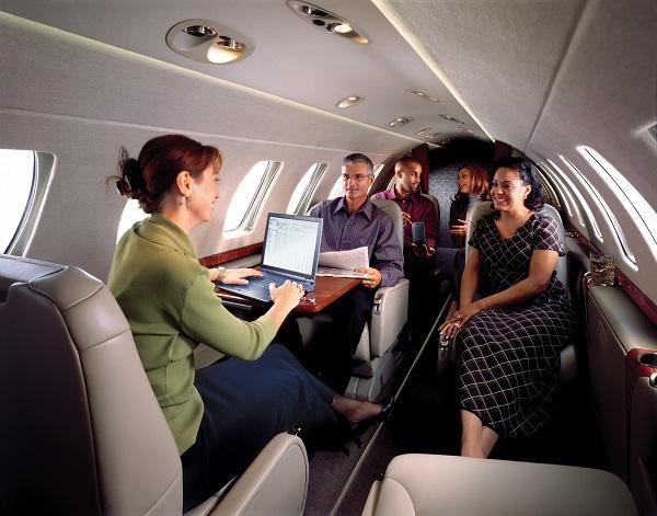 Самолет cessna cj3. фото. салон. характеристики.