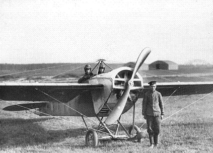 Самолет-разведчик nieuport n.iv («ньюпор с ложкой»).