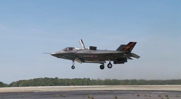 Самолет с вертикальным взлётом. вертикальный взлёт и посадка. видео.