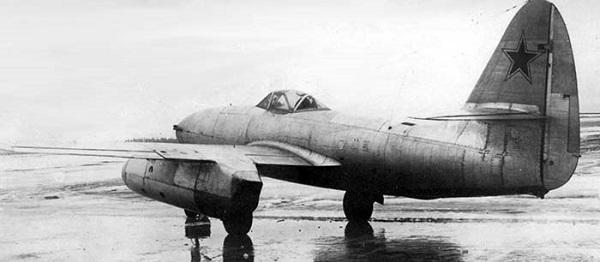 Самолет су-13. фото. история. характеристики.