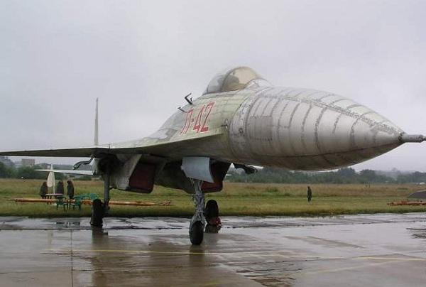 Самолет сухого п-42. фото. истори. характреристики.