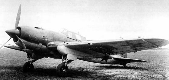 Штурмовик ил-2 м-82.