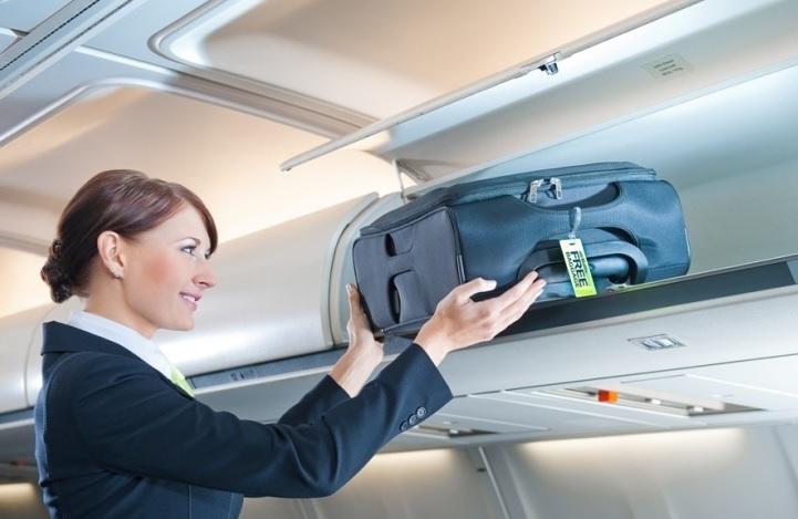 Сколько ручной клади можно брать в самолет: объем, вес