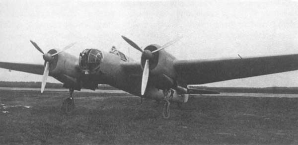 Скоростной бомбардировщик сб (ант-40-2, сб-2ис).