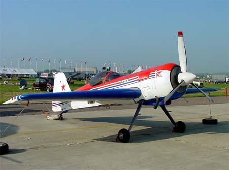 Спортивно-пилотажный самолет су-31.