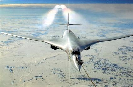 Стратегический сверхзвуковой бомбардировщик ту-160.