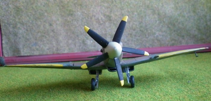 Supermarine spitfire модификаций mk xii, xiv и xviii