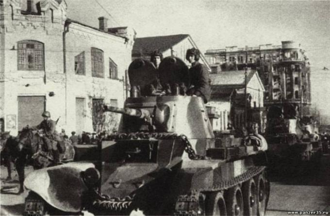 Танковые корпуса в 1939 году - громоздкие и трудноуправляемые?