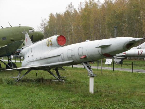 Туполев ту-141. фото. видео. история. характеристики.