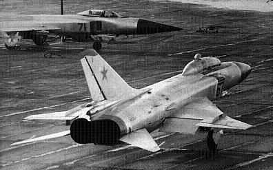 Учебно-боевой истребитель су-15ум.