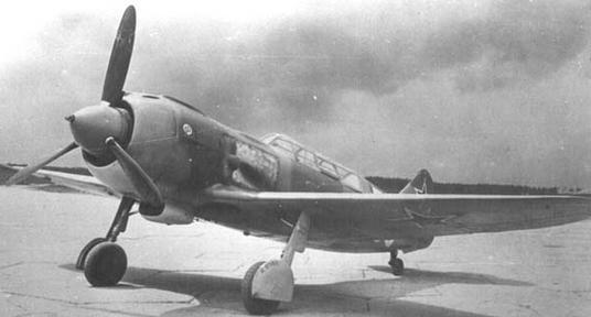 Учебно-тренировочный истребитель ла-5ути.