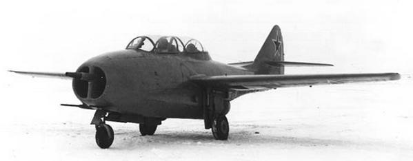 Учебно-тренировочный истребитель миг-9ути (и-301т, тф).