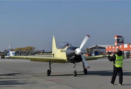 Учебно-тренировочный самолет як-152.