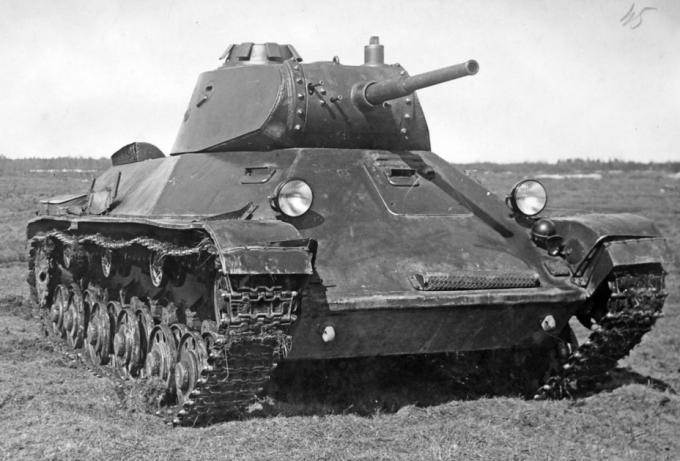 В погоне за идеалом. легкий танк тяжелого бронирования