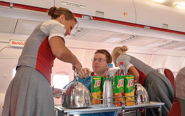 Вакансии авиакомпании ред вингс. бортпроводники. стюардессы. пилоты.