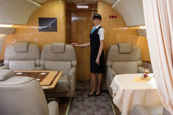 Вакансии авиакомпании саратовские авиалинии. бортпроводники. стюардессы. пилоты.