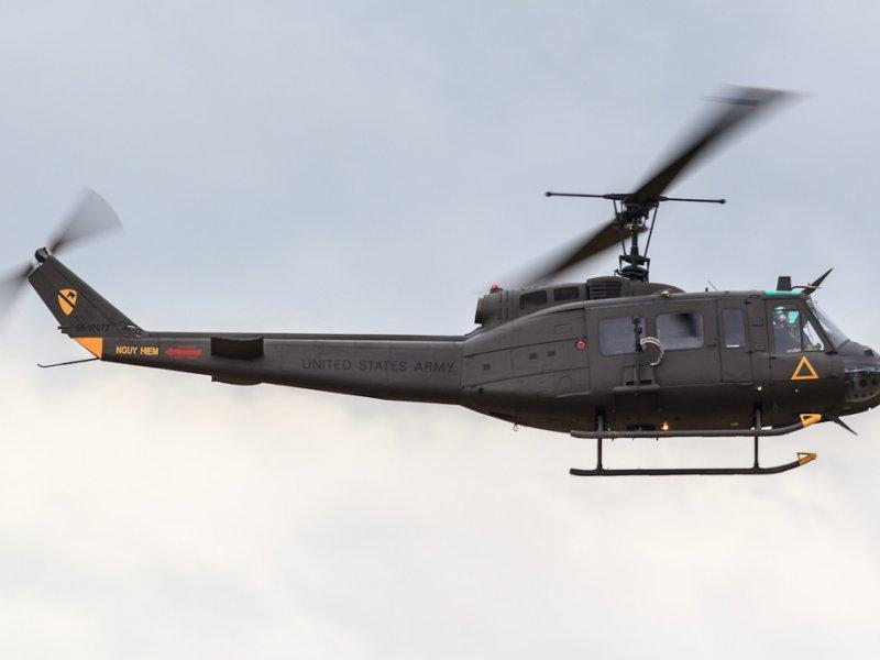 Вертолет bell uh-1 iroquois. фото. видео. характеристики.