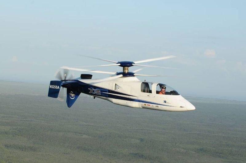 Вертолет с одним и двумя несущими винтами