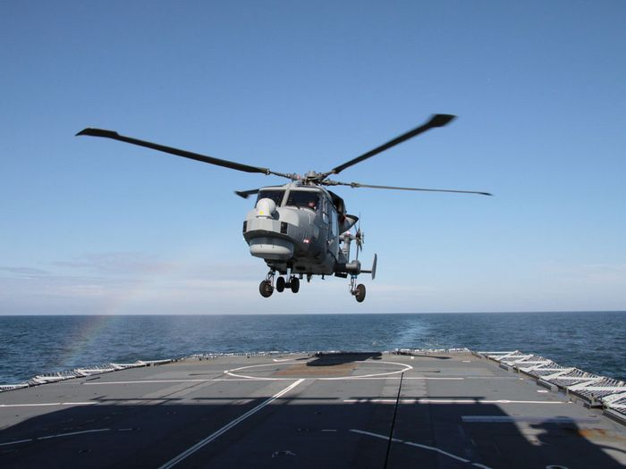 Вертолёт agustawestland aw159 wildcat. технические характеристики. фото.