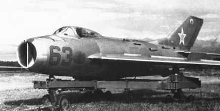 Высотный истребитель миг-19св.