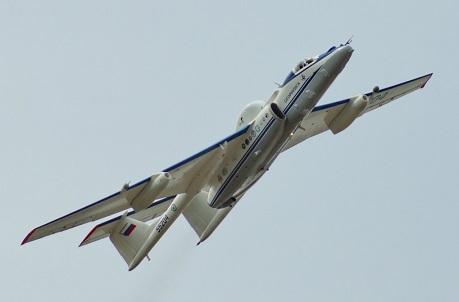 Высотный самолет-разведчик м-55 «геофизика».