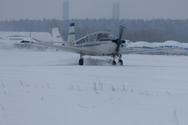 Взлет и посадка на заснеженных и обледеневших аэродромах, аэропортах